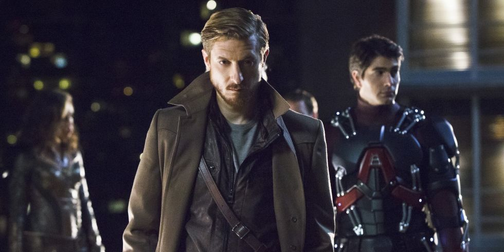 Darvill sporting a Tennant-esc coat in DC's Legends of Tomorrow