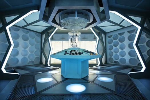 I really like the classic-look for the interiors of the TARDIS. So in my series, I would go back to these 'desktop-themes'. I think I would like something like Doctor Ruth's TARDIS.